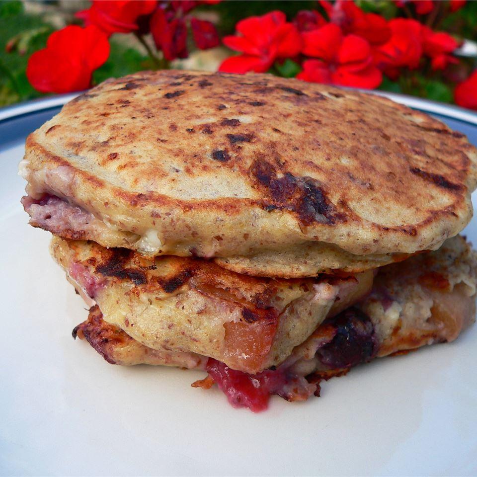 Cinnamon-Peach Cottage Cheese Pancakes