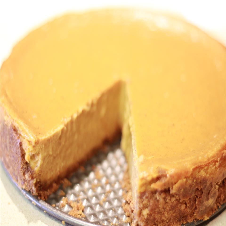 Thanksgiving Sweet Potato Cheesecake