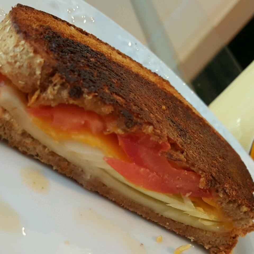 Cheddar, Baby Leek and Tomato Sandwich Ana