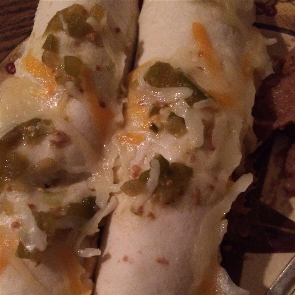 Creamy Chicken Enchiladas Verde Crystalhuff