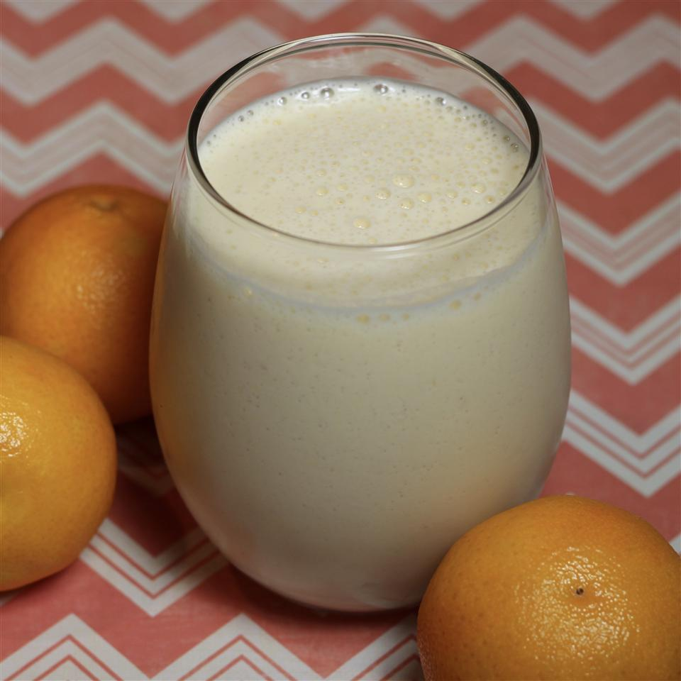 Banana, Orange, and Ginger Smoothie