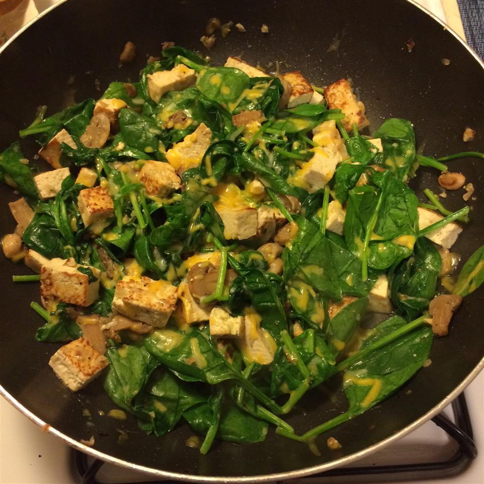 Easy Gorgonzola Tofu Scramble ecoastgirl