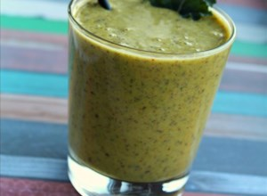 Quick Kale and Turmeric Smoothie