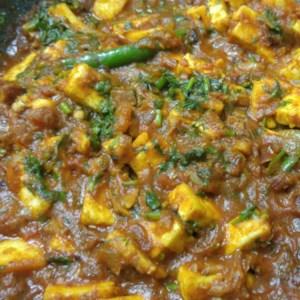 recipe: aloo matar paneer (simmered potatoes with peas and paneer) [18]