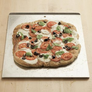 Fresh Tomato & Black Olive Pizza