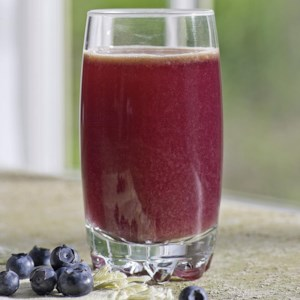 Blueberry-Cabbage Power Juice