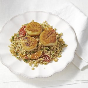 Quinoa Pilaf with Seared Scallops