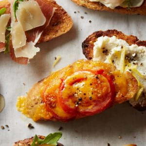 Tomato-Cheddar Cheese Toast