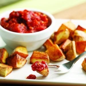 Crispy Potatoes with Spicy Tomato Sauce