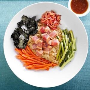 Seared Tuna Tataki Quinoa Bowl