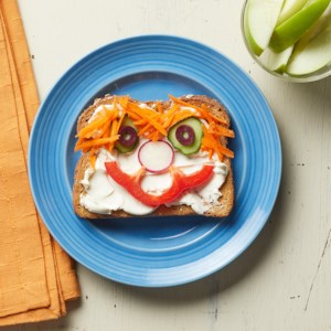 Silly-Face Veggie Sandwich
