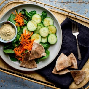 Green Salad with Pita Bread & Hummus