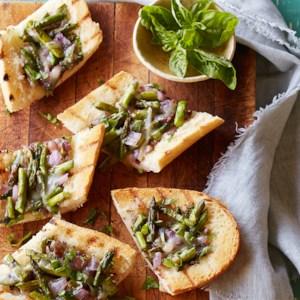 Grilled Asparagus-Onion Crostini