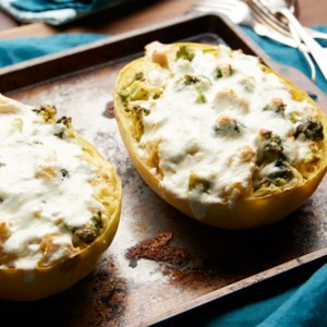Broccoli & Chicken Alfredo Spaghetti Squash