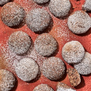 Chocolate Polvorones (Mexican Wedding Cookies)