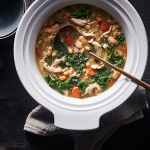 Slow-Cooker Chicken & White Bean Stew