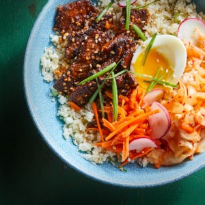 Korean Steak, Kimchi & Cauliflower Rice Bowls