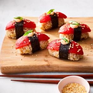 "Vegan Sushi with Tomato ""Tuna"""