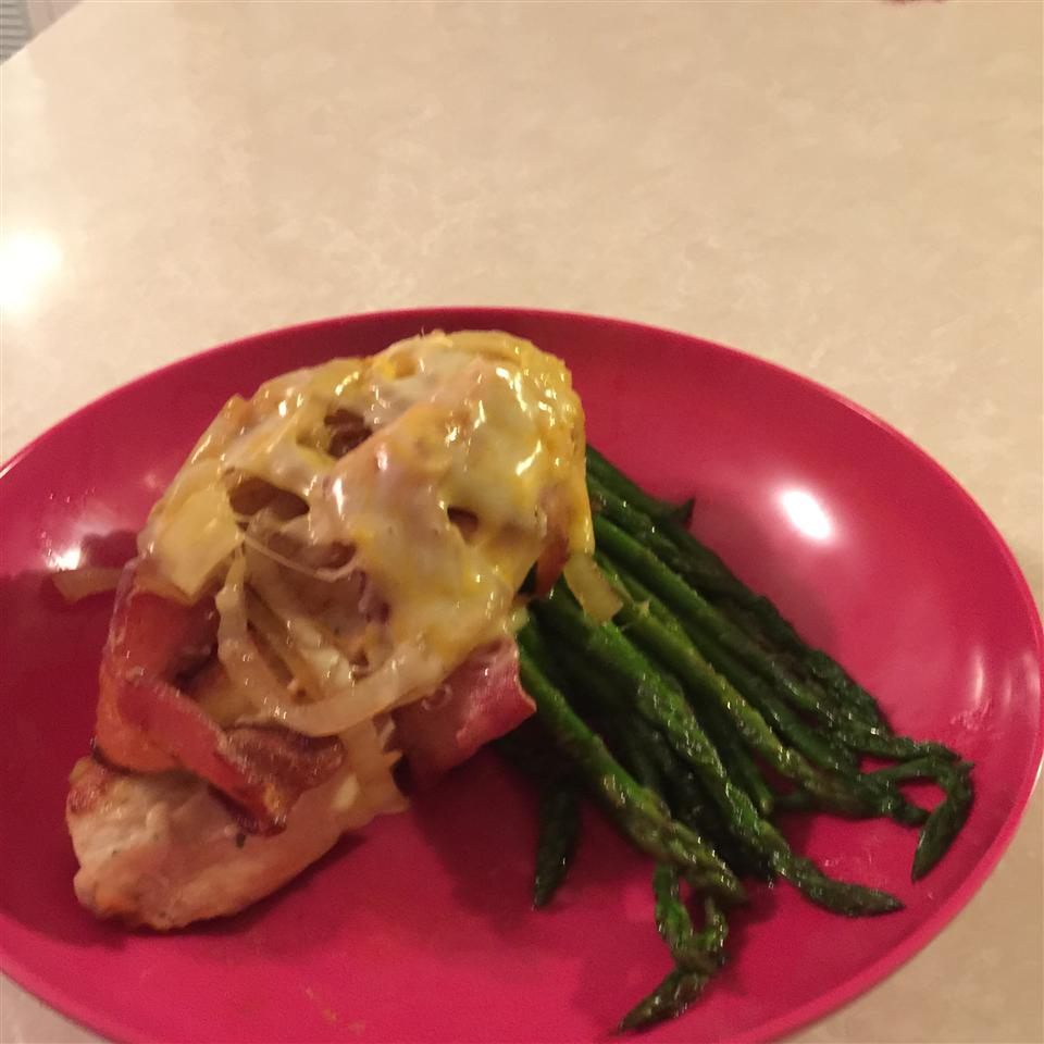 Easy Smothered Chicken Breasts mwoerner