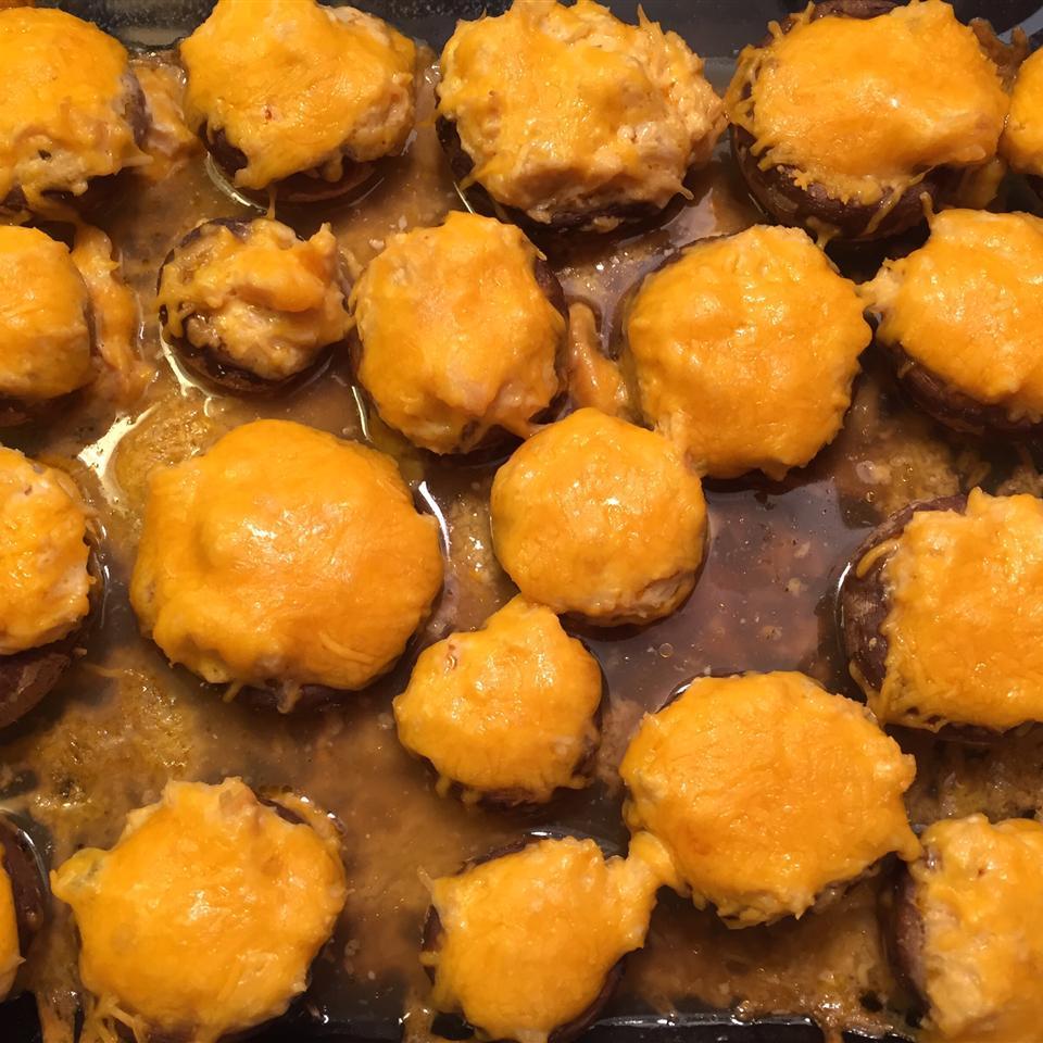 Buffalo Chicken Stuffed Mushrooms (Low-Carb) Sweet2Death