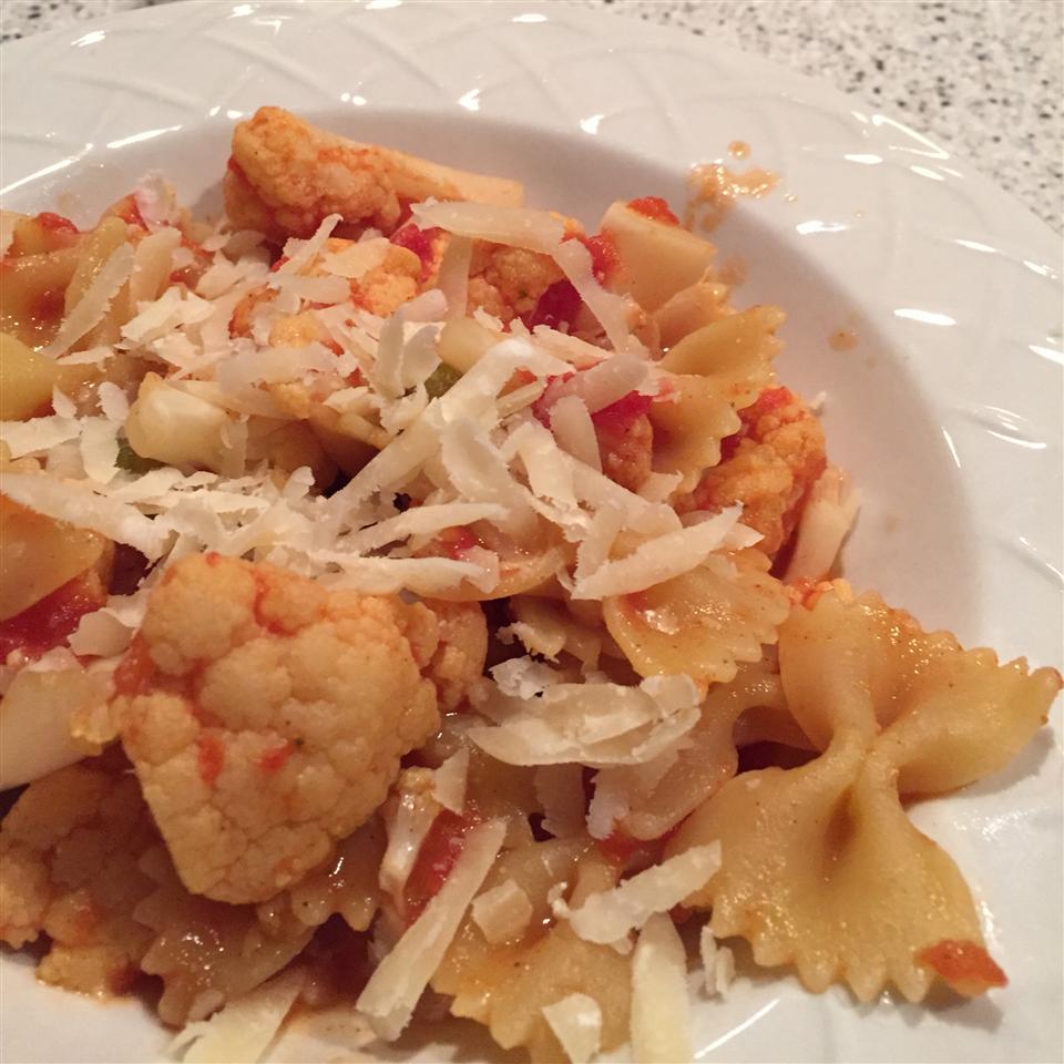 The Fridge Scavenger's Tomato and Cauliflower Pasta