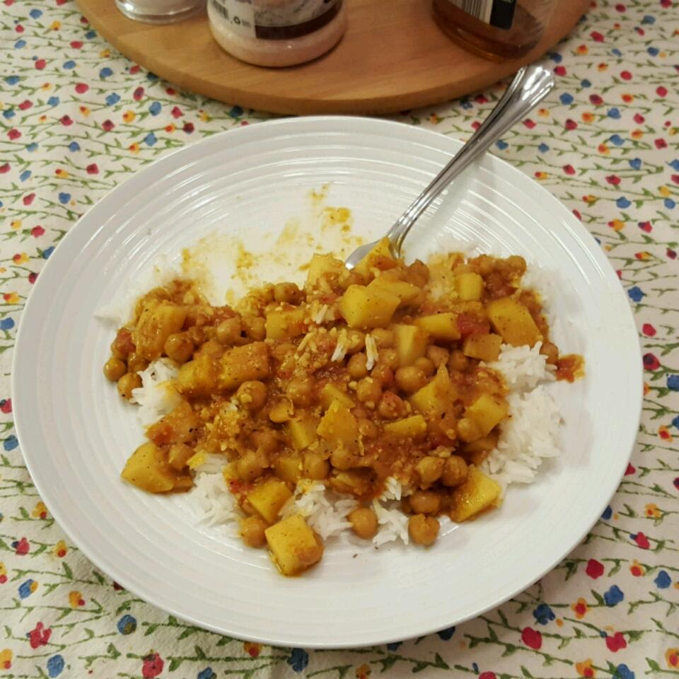 Easy Chickpea Curry Stephanie Steinbeck