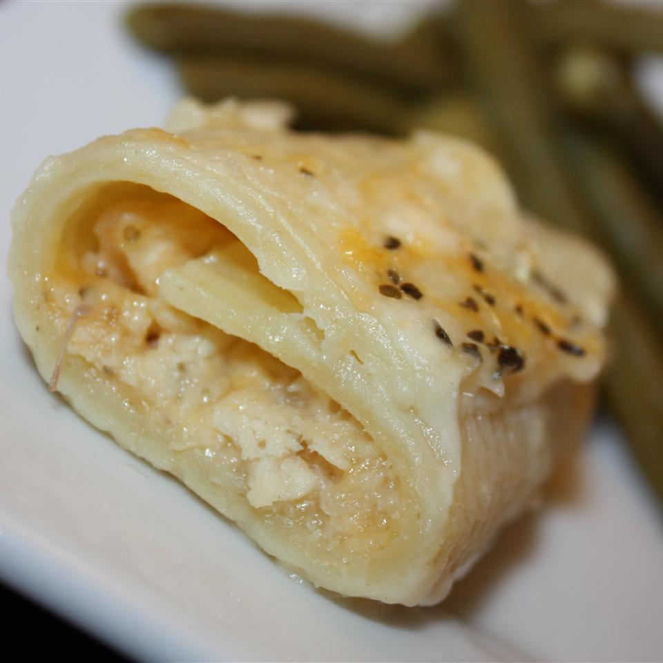 Chicken-Stuffed Shells with Sherry Sauce LINDA W.