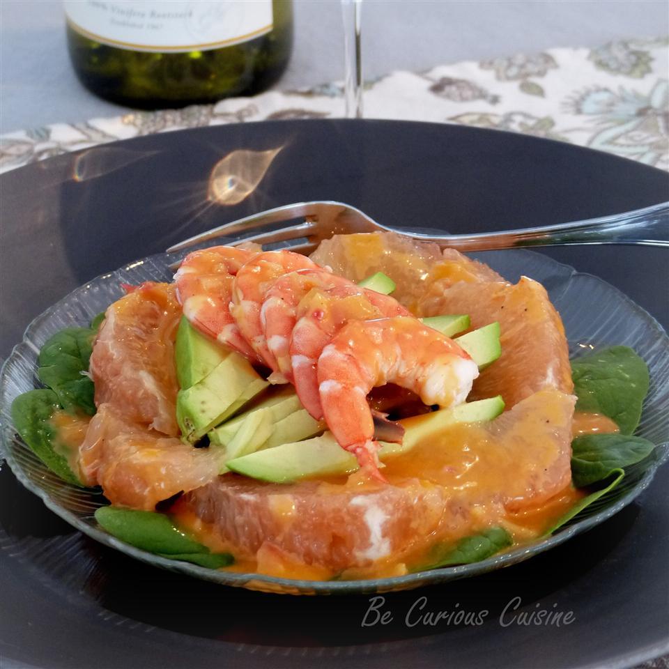 Shrimp, Avocado, and Grapefruit Salad_image