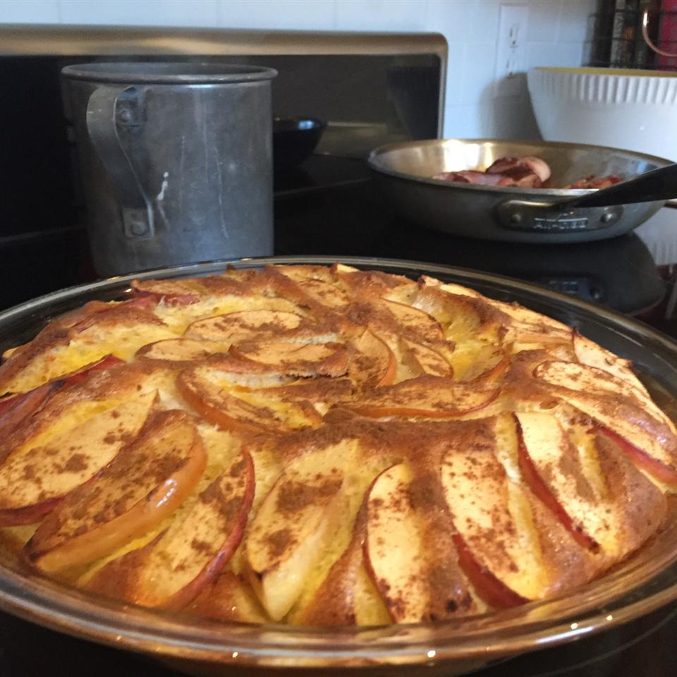 Fresh Apple Omelet