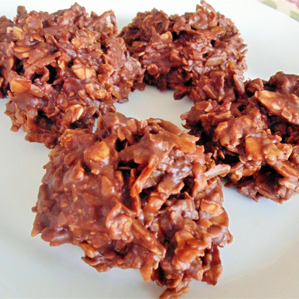 Easy Chocolate Haystacks