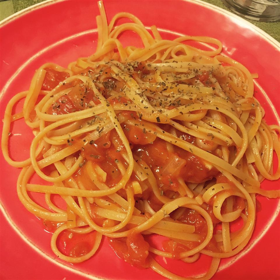 Homemade Tomato Basil Pasta Sauce henry9112