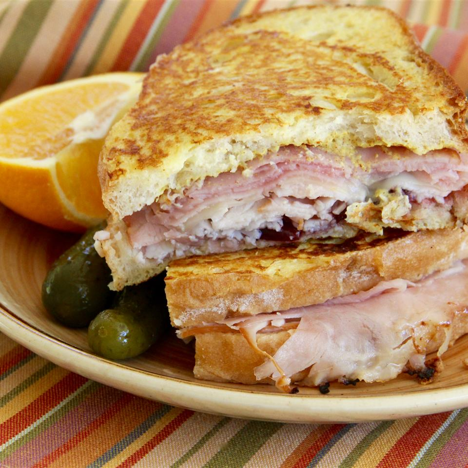 Monte Cristo Sandwich with Bacon