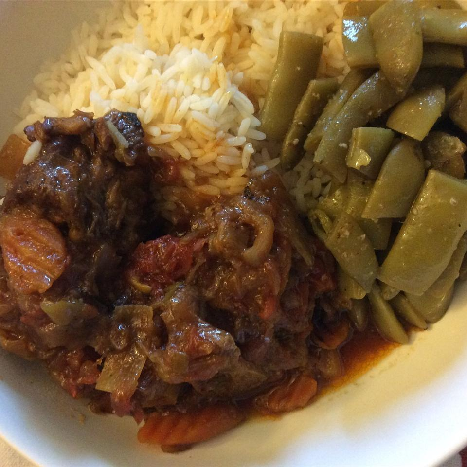Braised Oxtails in Red Wine Sauce Anonymous