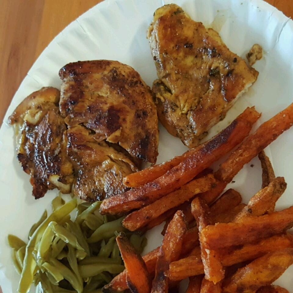 Bessy's Zesty Grilled Garlic-Herb Chicken Angela Dukes