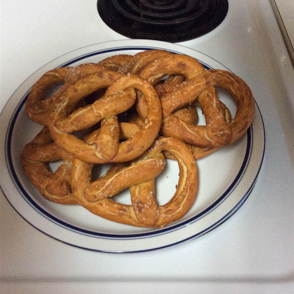 Gluten-Free Pretzels_image