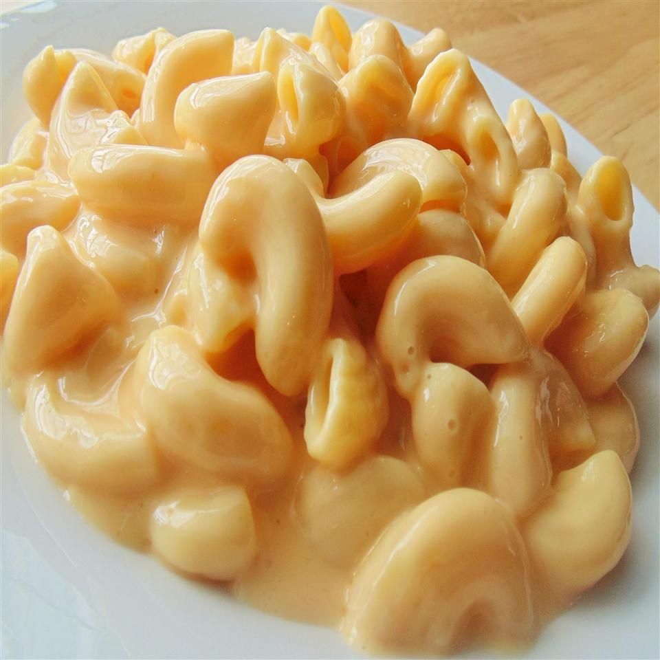 Creamy Pressure Cooker Macaroni and Cheese