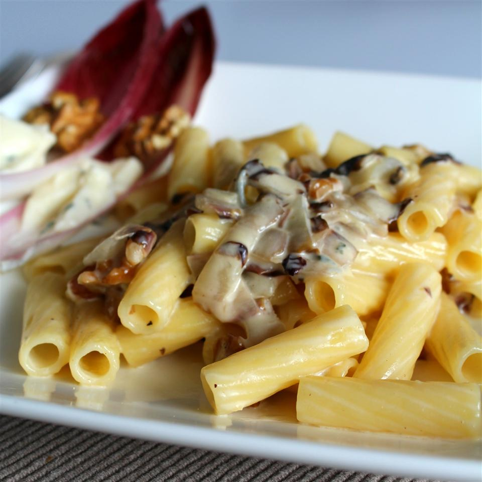 Pasta with Gorgonzola Sauce and Radicchio