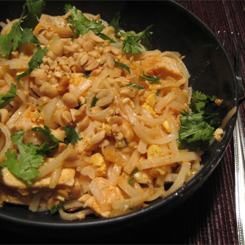 Shrimp Pad Thai - Printer Friendly