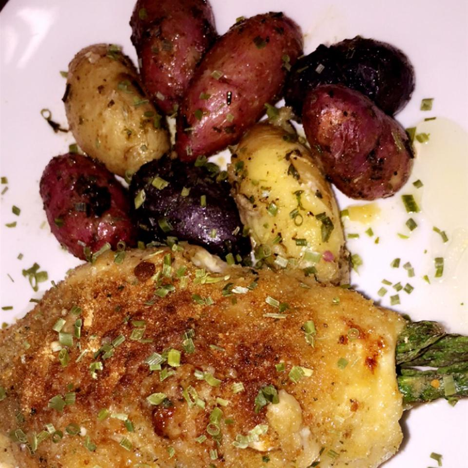 Asparagus and Mozzarella Stuffed Chicken Breasts Ruthie A. Brown III
