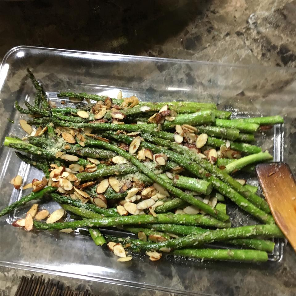Asparagus with Sliced Almonds and Parmesan Cheese lhernandez0711@hotmail.com