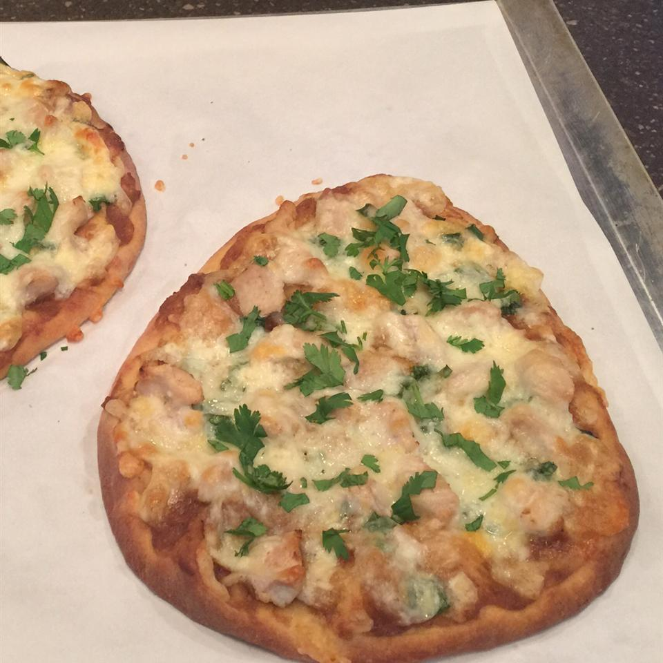 Satay Chicken Pizza Lizzie