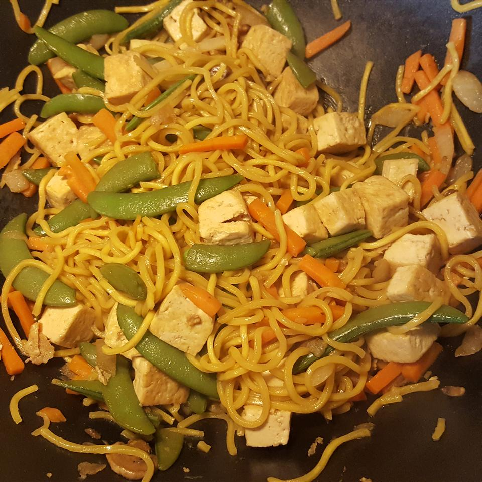 Fast and Easy Tofu Lo-Mein Becky