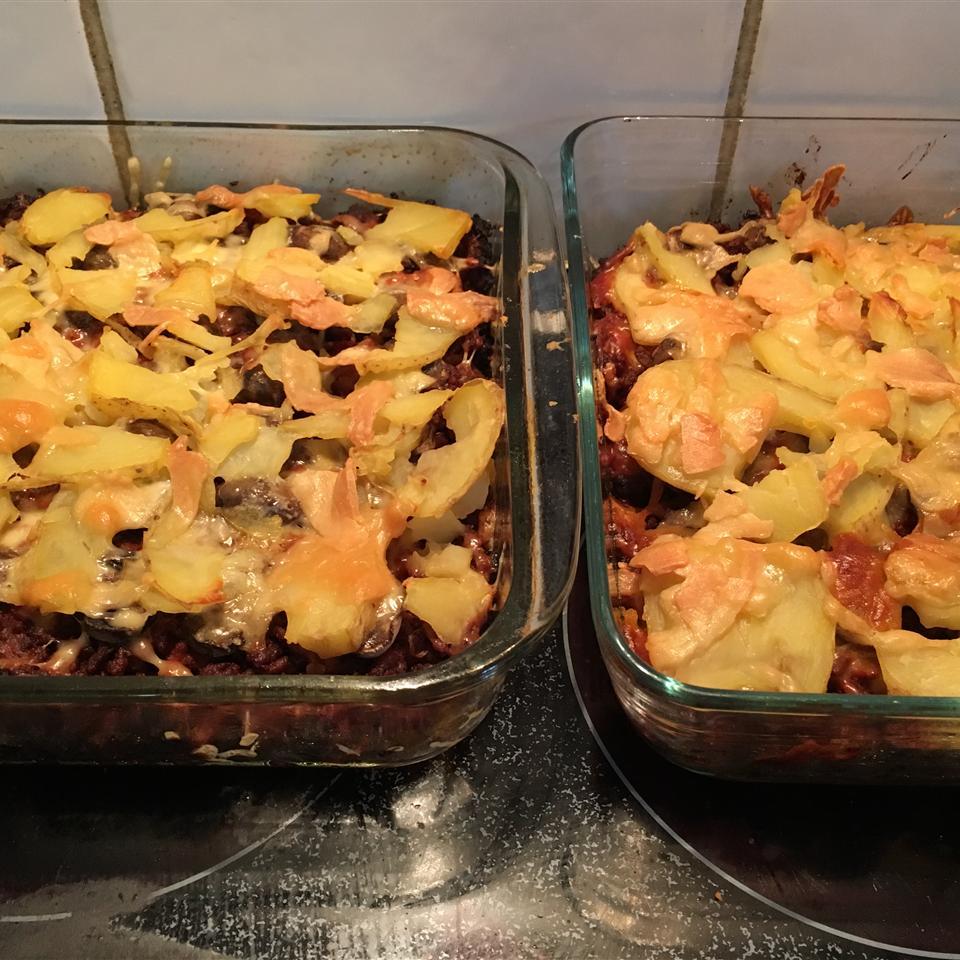 Shearers' Mince and Potato Hot Pot Deborah Pinn