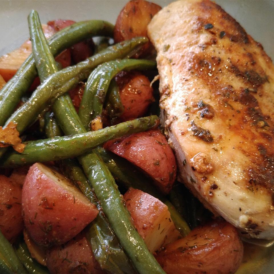 Garlic Chicken and Potatoes Cindy Delgadillo Ortiz