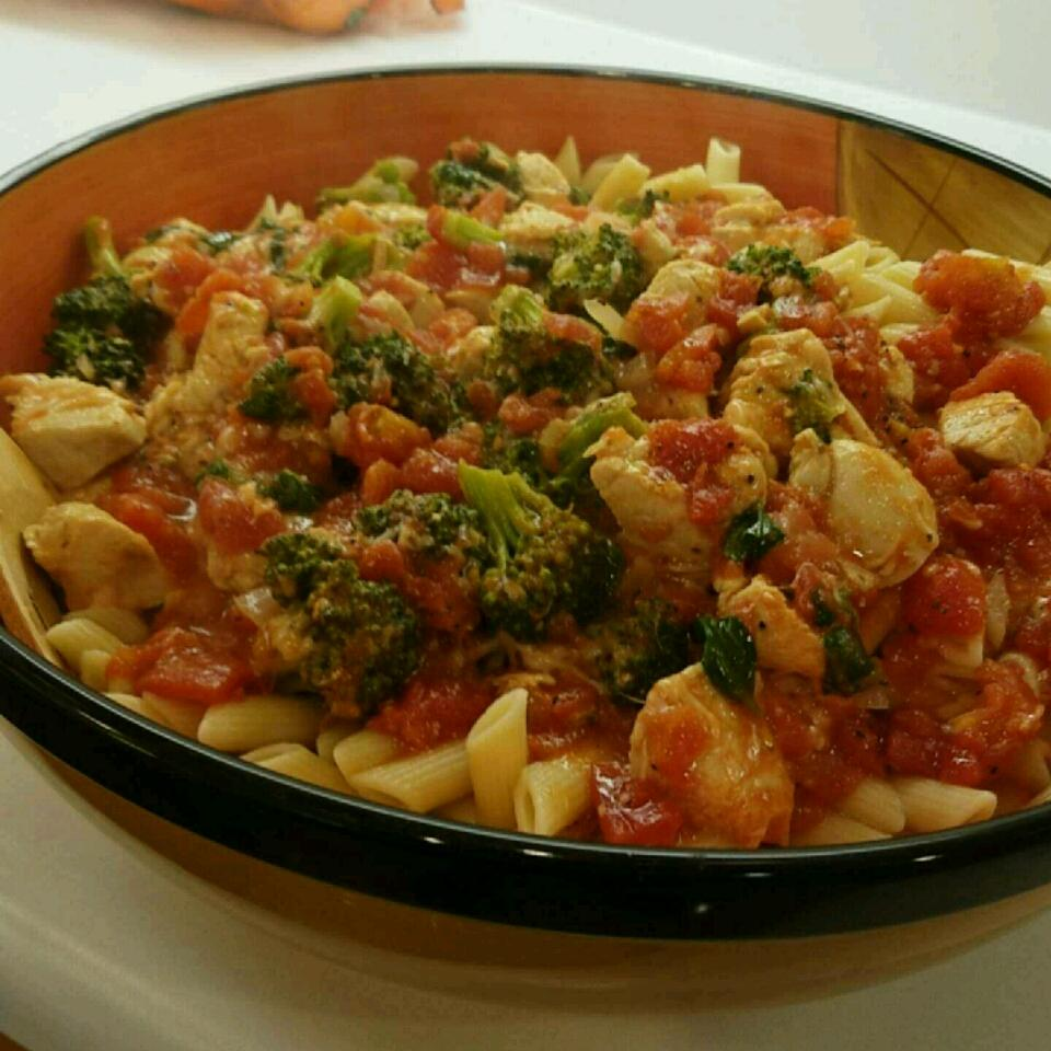 Chicken and Broccoli Pasta Gloria McShane