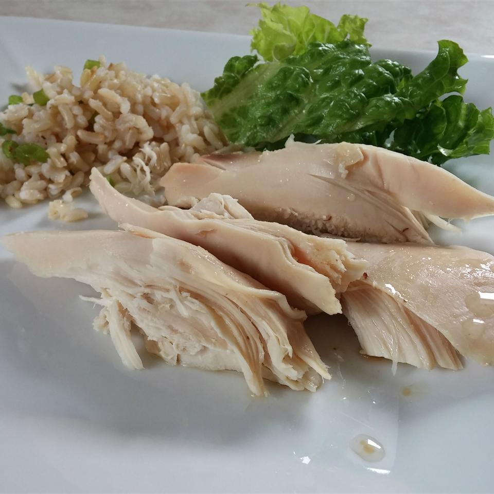 Easiest Slow Cooker Chicken YAUVRU