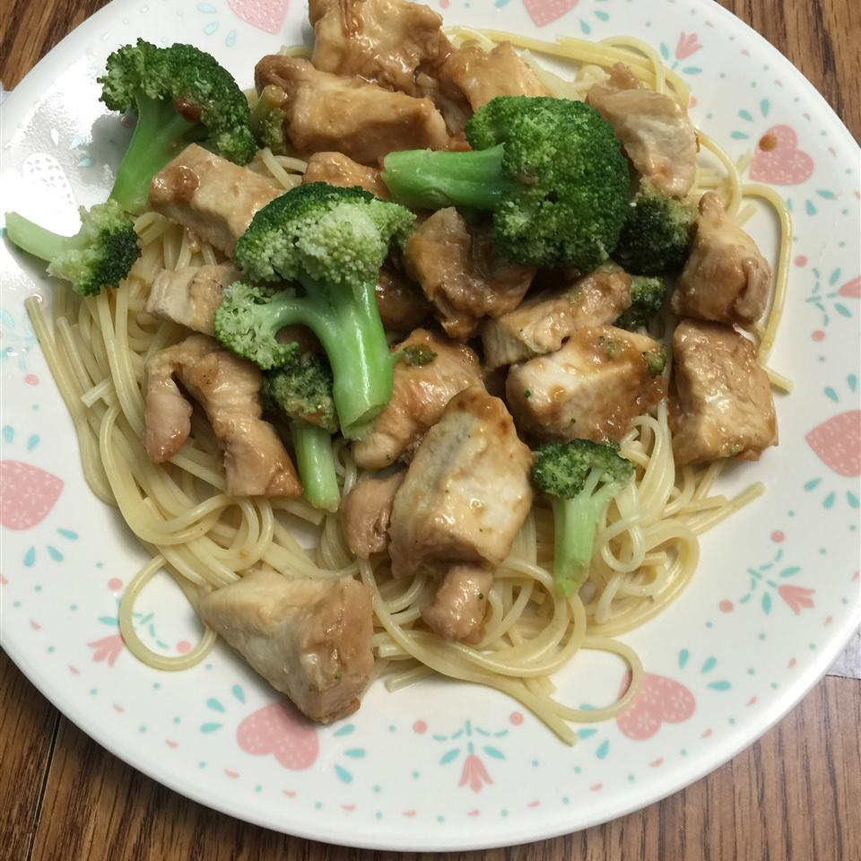 Chicken Lo Mein with Broccoli