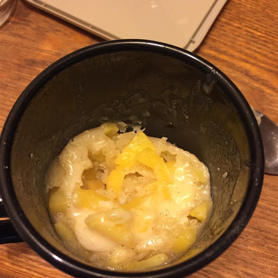 Peach Cobbler in a Mug