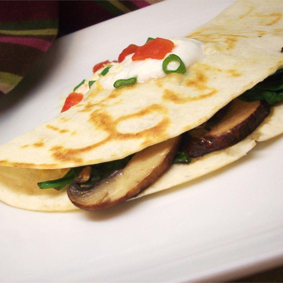 Spinach and Mushroom Quesadillas CookinBug