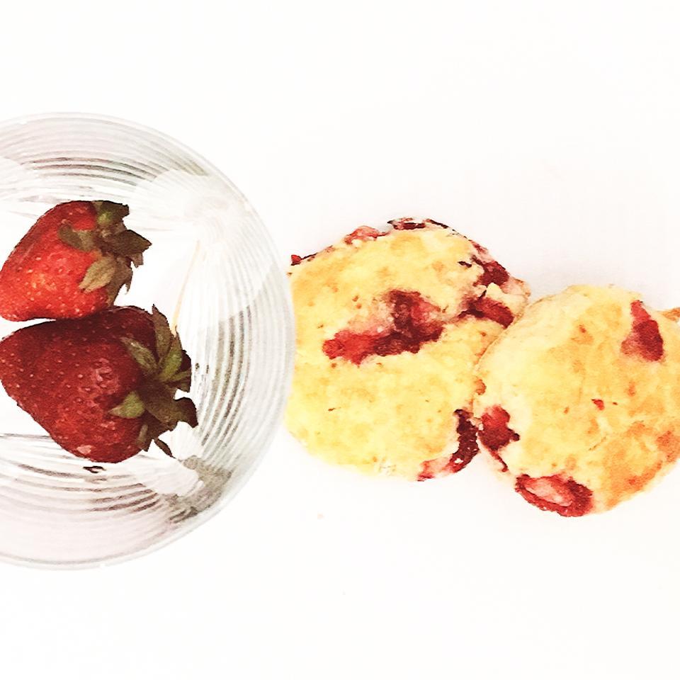Fresh Strawberry Scones